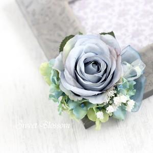 【アーティフィシャルフラワー】ブルーグレーのバラのコサージュ