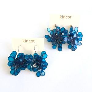 kincot アメリカンフラワーのピアス・イヤリング(ブルー)