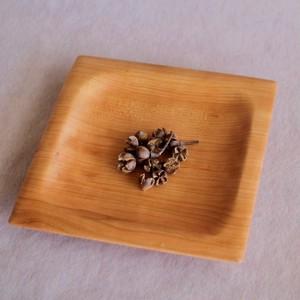 パスタを乗せるのにちょうどいい木製皿(チェリー)