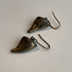 rose thorn earrings(antique gold)