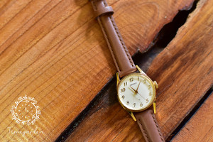 【ビンテージ時計】1978年11月製造 秒針付きの手巻き式腕時計 日本製
