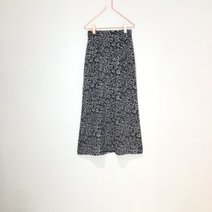 ◼︎90s monotone floral print long skirt from U.S.A.◼︎