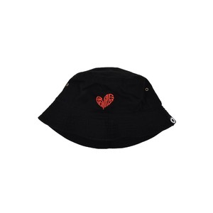 HEART LOGO BUCKET HAT / BLACK