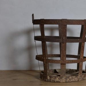 Iron Basket / アイアン バスケット 〈カゴ・鉢カバー・プランターカバー・薪〉
