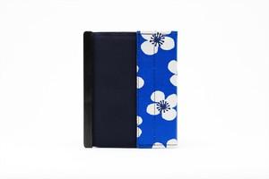 アモルフ 閉じる ブックカバー 手帳カバー A6(文庫)サイズ  クラリーノ 黒 ✕ 花柄