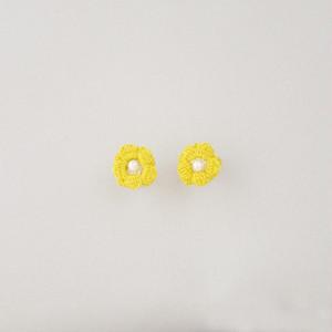 キンポウゲ スタッドピアス(黄色)