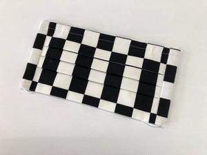 市松模様手作りマスク 白×黒(小さめ柄)