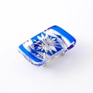 江戸切子  帯留 菊模様 伝統工芸 無料包装 結婚祝 還暦祝 誕生日 着物 クリスタルガラス 瑠璃被せ