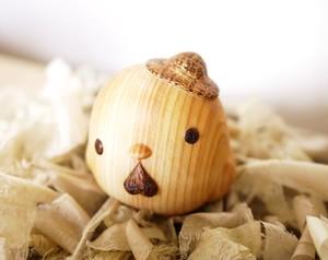 【木彫りの置物】ほのぼのピコちゃん