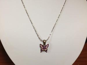 紫蝶のネックレス
