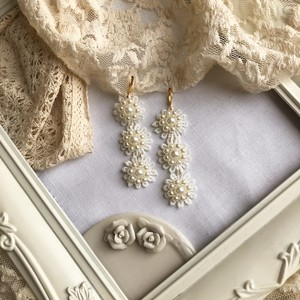 lace & pearl flower