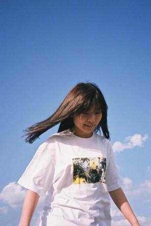 【残り一枚・セール】「Flower」フォトTシャツ(白)
