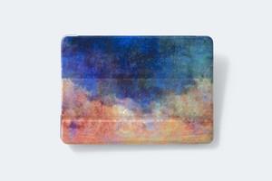夜明けと霧の世界を描いた、iPadケース