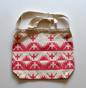TACOMA FUJI RECORDS ALASKAN KING CRAB TOTE NATURAL/PINK