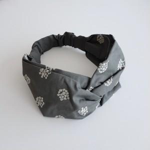 アナベル刺繍のヘアバンド チャコールグレー