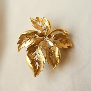 The Festive Season Brooch Collection 6