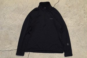 USED Women Patagonia R1 pullover  -X-Small 0961