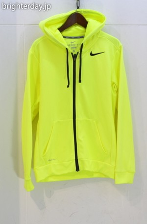 NIKE THERMA-FIT ジップパーカー