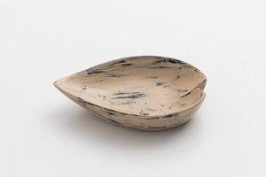 白漆砥出豆皿(花びらB)