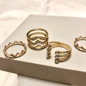 ウェーブゴールドリングセット(4個セット) / Lovisa  ring