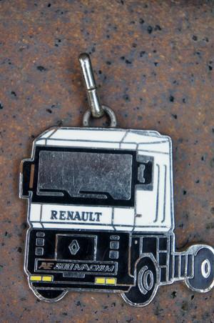 porte-clefs フランスキーホルダー 「RENAULT AE500 MAGNUM」