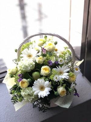 【生花】 冠婚葬祭 手付きバスケットアレンジメント