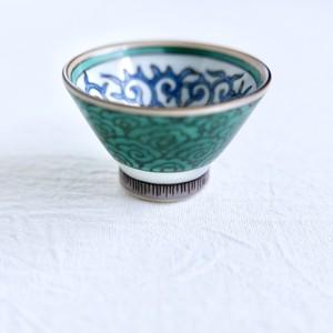 【KR067】九谷焼  ちょく唐草花と雲文 (1個) 昭和 / Kutani Sake Cup / Showa Era
