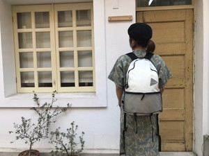 【and wander】20L daypack