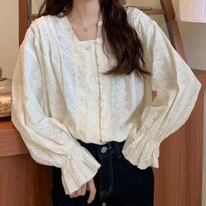 【トップス】レトロきゅうていスクエアネック精巧な工芸刺繍フリルスピーカースリーブシャツ