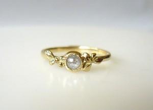 ナチュラルダイヤの植物の指輪(ホワイト)