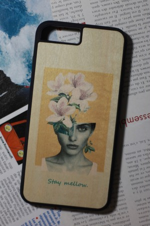 "kibacoworks × Kouhei ""Wood print iPhone case - Stay mellow"""