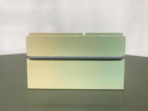 カードケース SC-01 春先に生える新緑の色