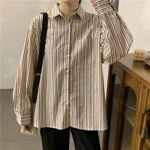ストライプカジュアルシャツ