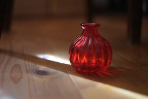◆森永豊◆ モリナ透明硝子工房 <吹き硝子>◆◆一輪挿し〈モール〉赤◆◆NEW