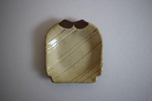 海野仁美|シャツ小皿 薄黄色 斜めストライプ