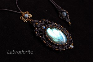Labradorite brasswire pendant