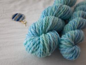手染め手紡ぎ糸 ブルーグリーン 26g