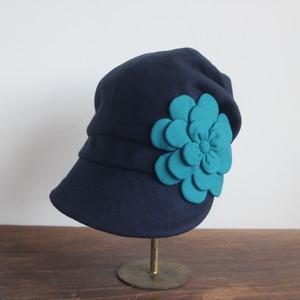 ふんわりキャスケット/ネイビーに青緑のお花