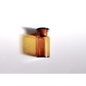【遮光薬瓶】アンバー くすりびん ラベル柄 昭和レトロ ガラス 広口