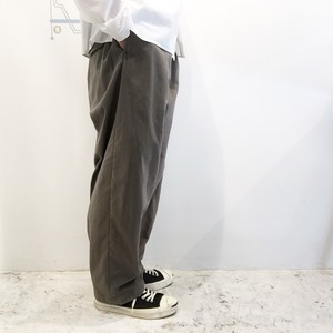 FIRMUM 【フィルマム】 COTTON NYLON MILITARY BACK SATIN TUCK PANTS