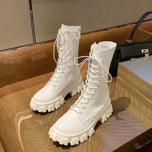 【シューズ】韓国の人気爆発!ファッション ストリート 丸トゥ 切り替え 厚底 ミドル丈ブーツ49247376