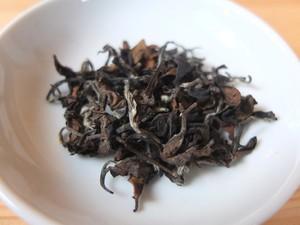 自然農法・手摘み烏龍茶 / 東方美人