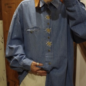 Denim Shirt / Flower Embroidery Denim Shirt / デニム 花 刺繍 シャツ