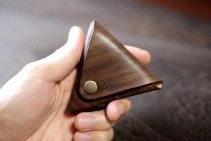 ローズウッドのような三角コインケース