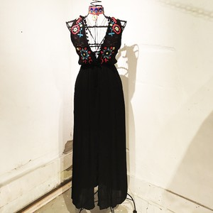Embroidery Chiffon Sundress / Black