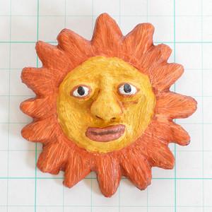 ブローチ 太陽 B252