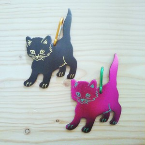 Ark - Cat Bag Tag (BLACK / SHINNY PINK)
