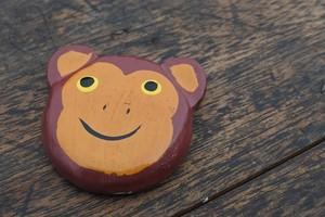 木彫りの動物 磁石 サル