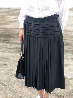 skirts/ black pleat