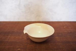 胡粉色 片口小鉢 卵鉢